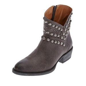 Matisse gray cowboy boots